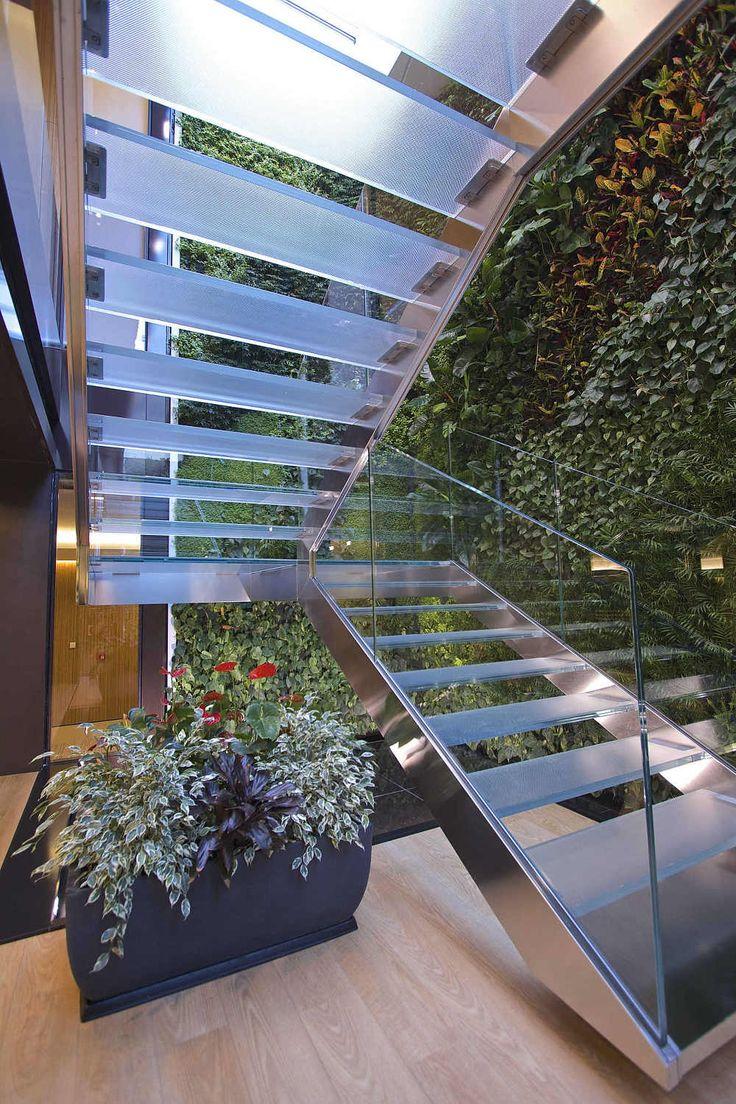 Giardino verticale Sundar Italia - sede torinese Reale Mutua - progetto Studio Kuadra - www.sundaritalia.com