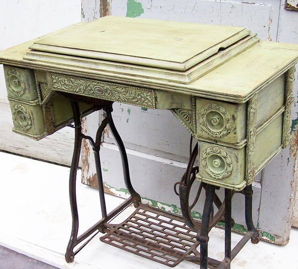 Bad Rabbit Vintage   Painted Furniture With Attitude : Painted Treadle Sewing  Machine Cabinet