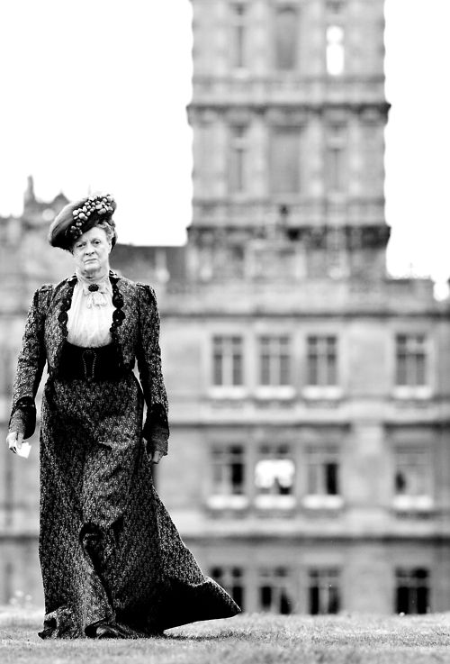 Superb photo of Maggie Smith as Lady Violet in Downton Abbey