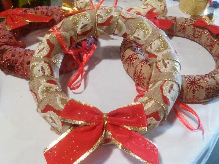 Handmade Christmas Decorative Wreath made from polystyrene and ribbons - Χειροποίητο Χριστουγεννιάτικο Διακοσμητικό Στεφάνι από Φελιζόλ και Κορδέλες