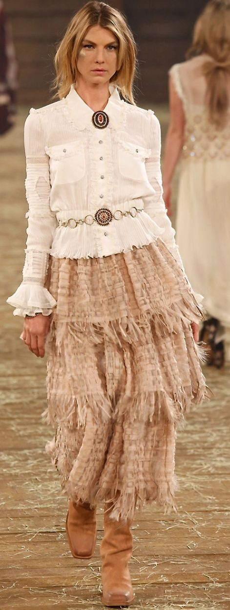 Chanel Pre-Fall 2014 Fashion Show: Complete Collection