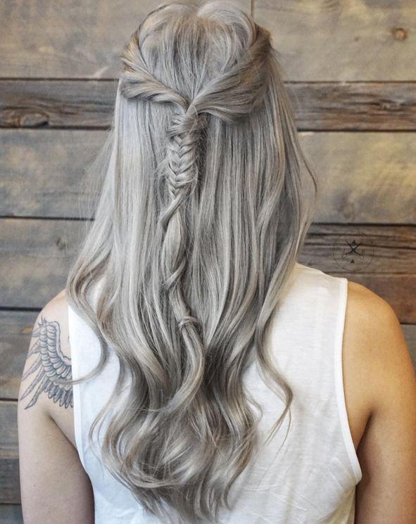 La media cola con mini fishtail. | 30 Peinados originales para probar cada día del mes