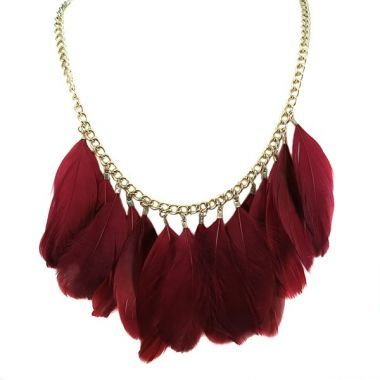COLLAR PLUMAS ROJAS .- #chic #necklace #feather #red #boho #party #chain #cool #tribal