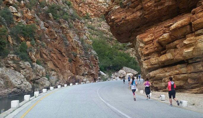 Meiringspoort road run, near #Oudtshoorn, #South-Africa, a 21km and 10km race everyone to run at least once. Its an easy route, scenic and very well organised. Make this race part of your holiday plan to the #Klein #Karoo.