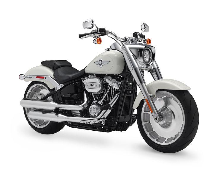 Linha Softail da Harley-Davidson passa por alterações visuais e mecânicas