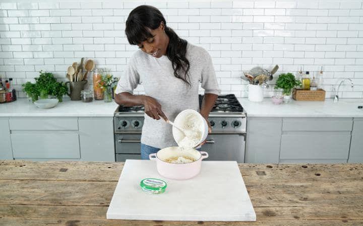 Lorraine Pascale making spaghetti carbonara with Philadelphia and broccoli
