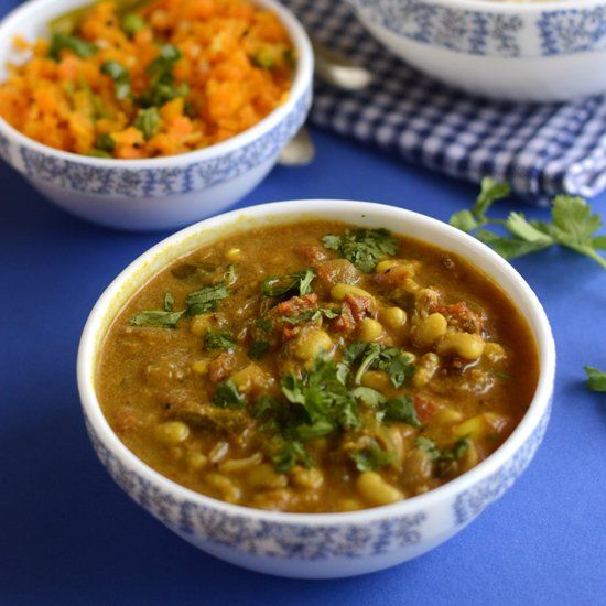 Tangy and protein rich South Indian Kuzhambu with fresh black eyed peas. Easy to make. Goes well with rice.