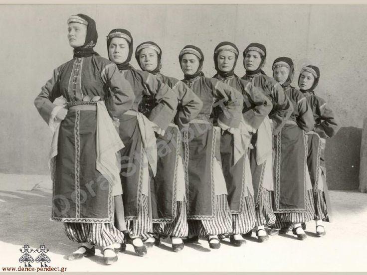 Τraditional costumes from Farasa, Cappadocia/ Παραδοσιακες ενδυμασιες απο τα Φαρασα της Καππαδοκιας.
