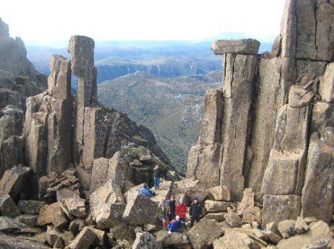 OVERLAND TRACK - Tasmania - Approaching the summit of Cradle Mountain