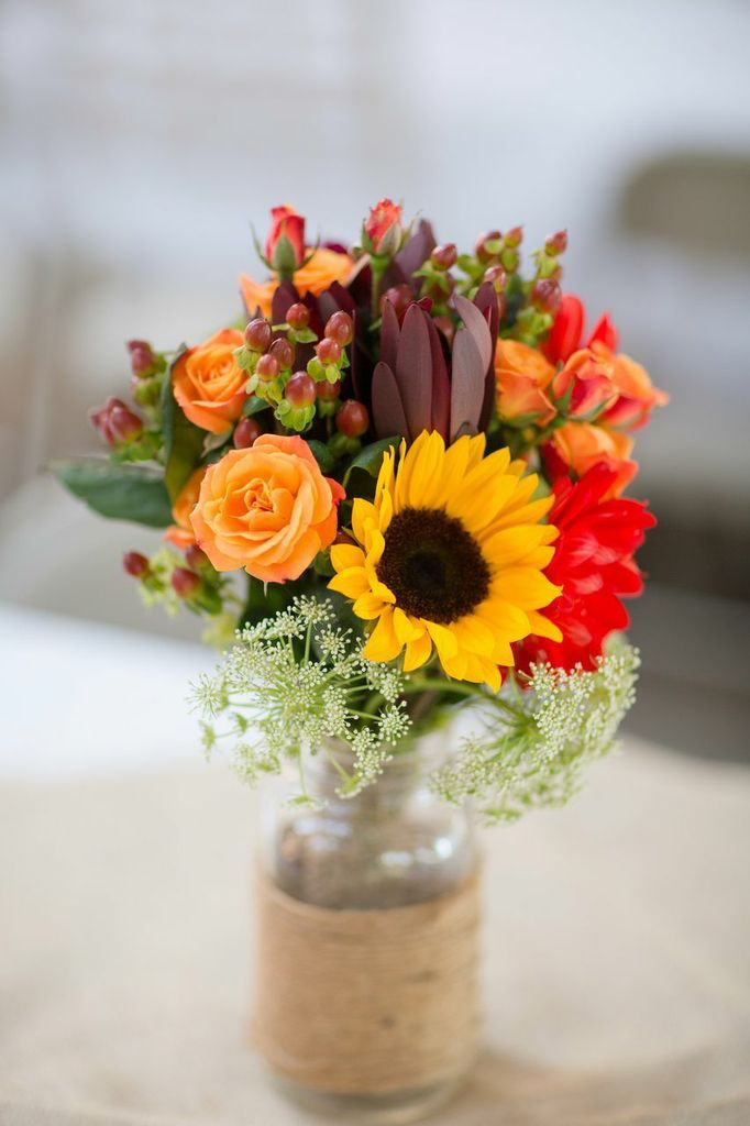 Sunflowers Roses And Burlap 3 Small Items For A Beautiful Fall Centerpiece Katelyn James Photography Wedding Centerpieces Pinterest
