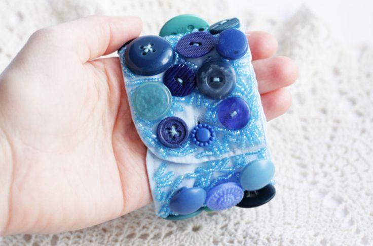 Креативный браслет с пуговицами / Пришла весна и пришли креативные идеи - браслет из пуговиц!
