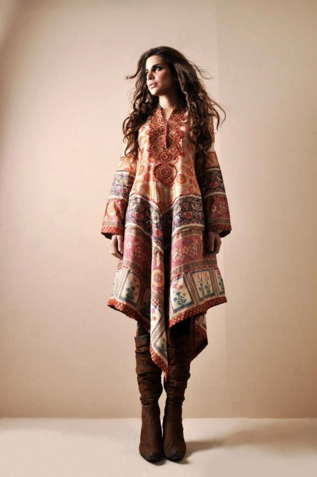 Gorgeous! I am short and curvy, so could only wear this in my dreams. Someone nearby, please buy this dress, so I can at least look at it. Shamaeel Ansari Latest Winter Collection 2013-6