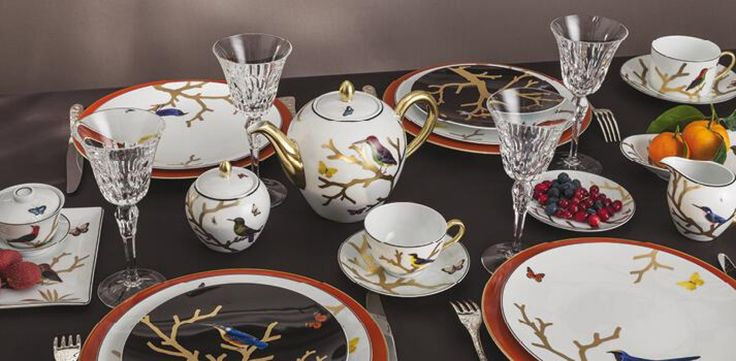 Bernardaud - Inspired by the curiosity cabinets that were so fashionable in the 16th and 17th centuries, the pattern is available on a full dinnerware service with scenes reminiscent of japanese prints: birds depicted in automnal colours perch on stylised trees in raised gold. Shop now https://boulesse.com/en/product/6301/Bernardaud/Aux-Oiseaux-CoffeeTea-Pot