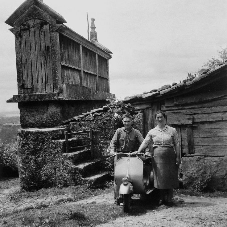 lapetitecole:  Galicia 1960 Photo :Francesc Catala Roca