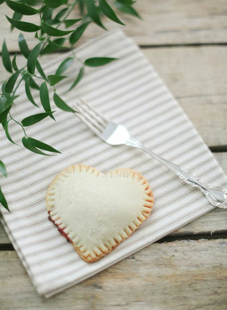 heart-shaped Valentine's Day pies {yum}