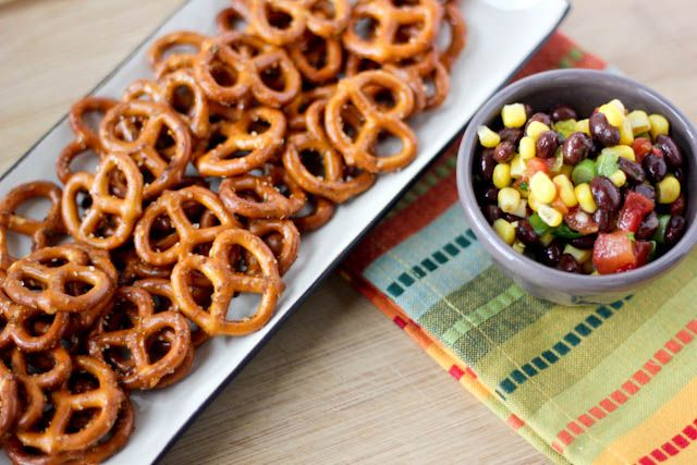 Easy Taco-seasoned pretzels for any get together