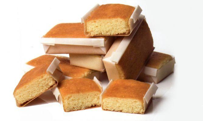 Receta de Sobaos pasiegos.  Enlace para preparar los moldes  http://www.hogarutil.com/cocina/recetas/postres/201210/molde-para-sobaos-pasiegos-16971.html