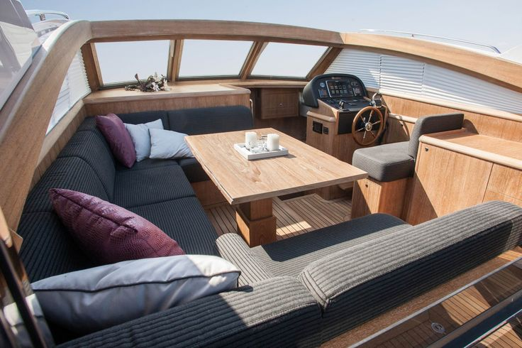 Mulder Shipyard is a Dutch yacht builders family since 1938, specialized in the construction and maintenance of luxury yachts up to 160.