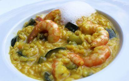 Riso leggero alle zucchine - un riso molto leggero, con zucchine cotte in poco olio, god di gambero, aromatizzato con zafferano e curry