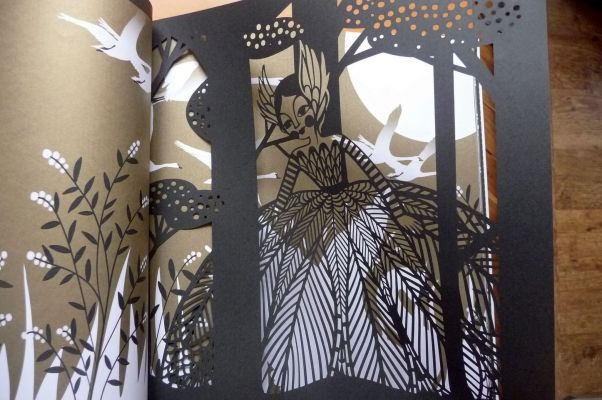 Le lac des cygnes - book with stunning papercuts by Charlotte Gastaut published by Amaterra