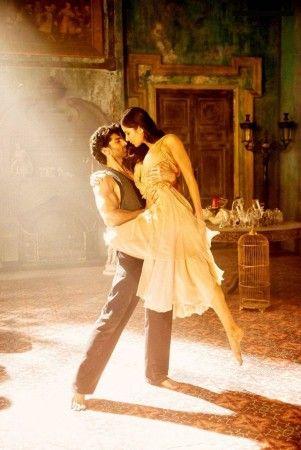 Katrina Kaif - Aditya Roy Kapoor In Pashmina Song