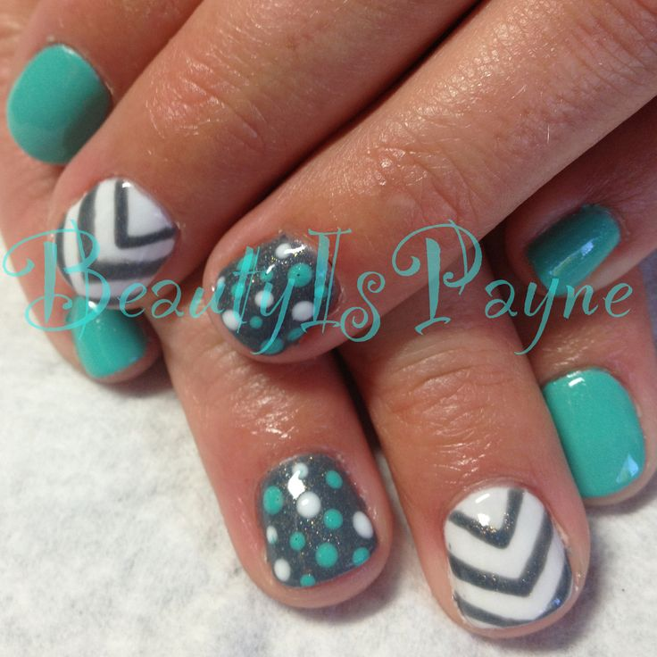 beautyispayne shellac nails chevron