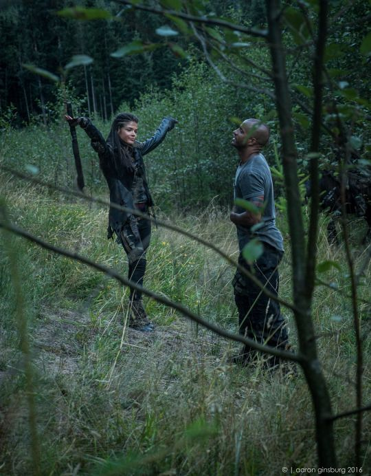 Marie and Ricky were fake-sparring and you can tell who clearly thought they won || The 100 cast behind the scenes || Marie Avgeropoulos and Ricky Whittle || Linctavia || Octavia Blake and Lincoln