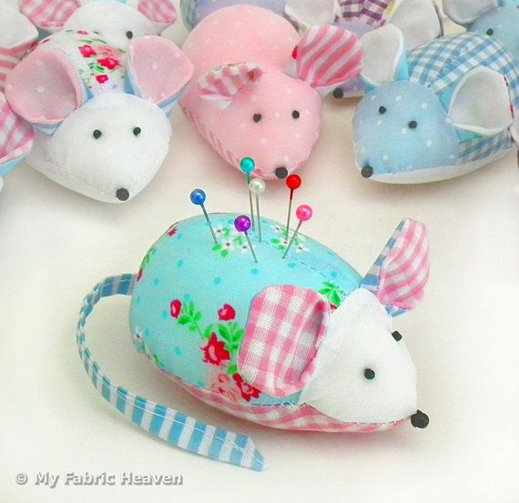 Cute mouse pin cushion printed sewing pattern full - Como hacer un alfiletero ...