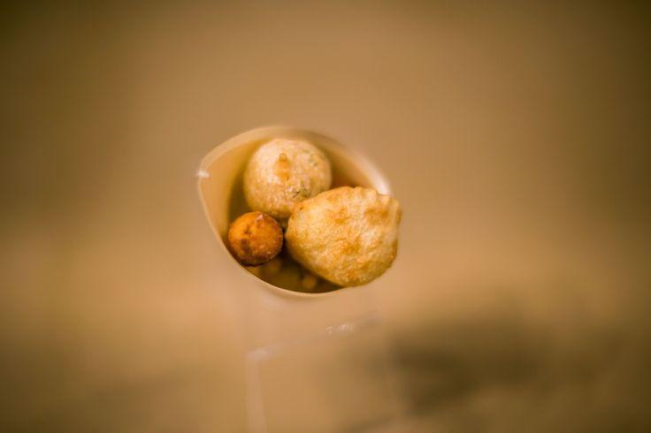 Cartoccio di fritti in occasione della cena a 6 mani degli chef stellati Andrea Migliaccio, Giovanni Luca Di Pirro, Alessandro Bocci | LARTE Milano