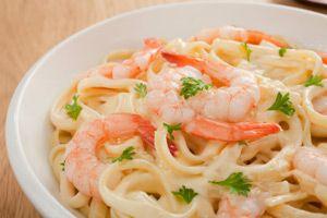 Hungry Girl's Shrimp Fettuccine Alfredo: Girls, Girl S Shrimp, Recipe, Food, Fettuccine Alfredo, Dr. Oz, Shrimp Fettuccine