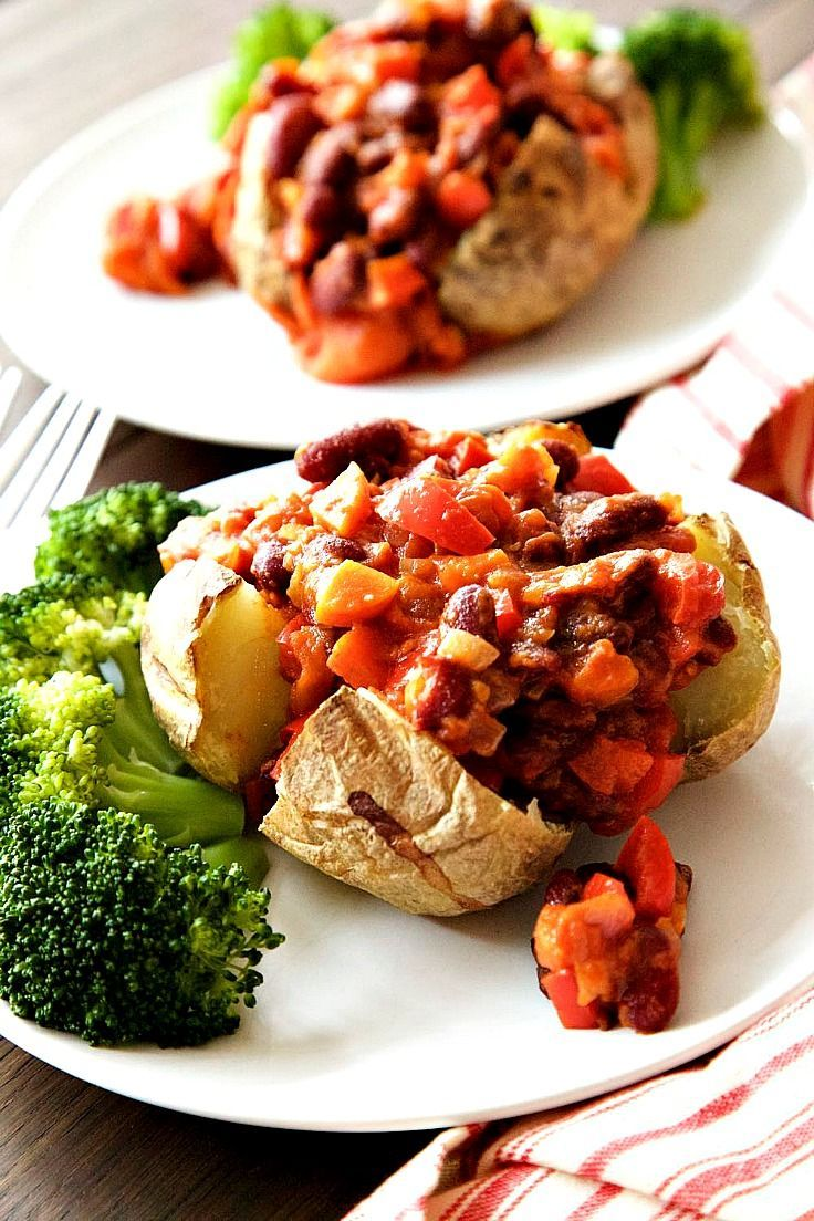 Easy Vegan Chilli with Baked Potato and Steamed Broccoli, a perfect winter warmer!