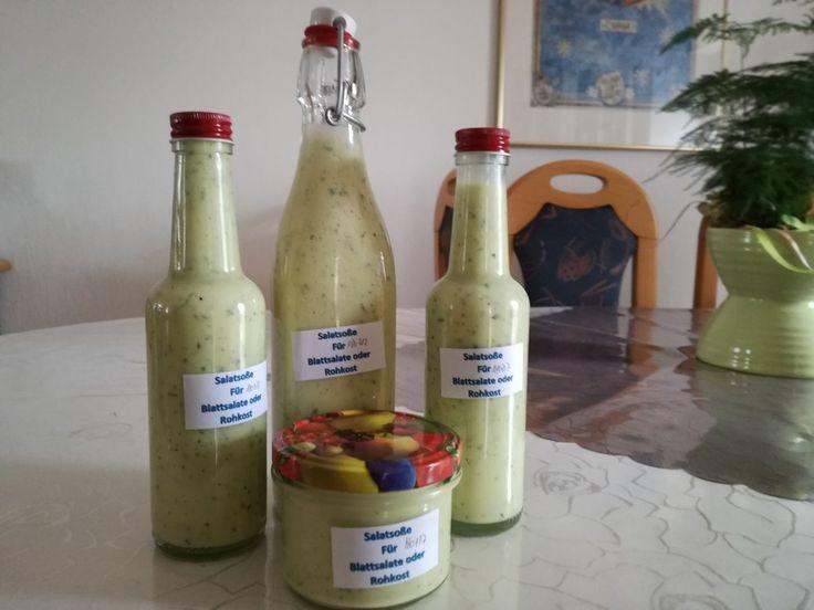 Leckeres Salatdressing für alle Blattsalate, ein schmackhaftes Rezept aus der Kategorie Salatdressing. Bewertungen: 175. Durchschnitt: Ø 4,6.