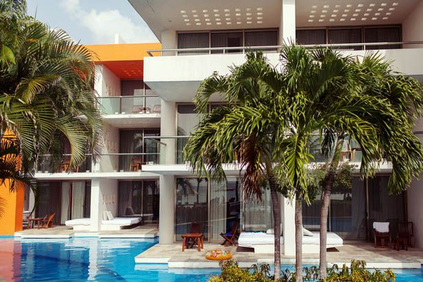Swim up rooms at Secrets Aura Resort in Cozumel, Mexico