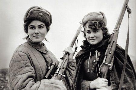 WW2 Soviet female snipers, members of Sydir Kovpak's partisan formation in the Ukrainian SSR.