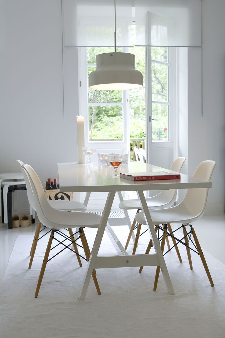 Lovely dining room table and chairs, from Glorian Koti