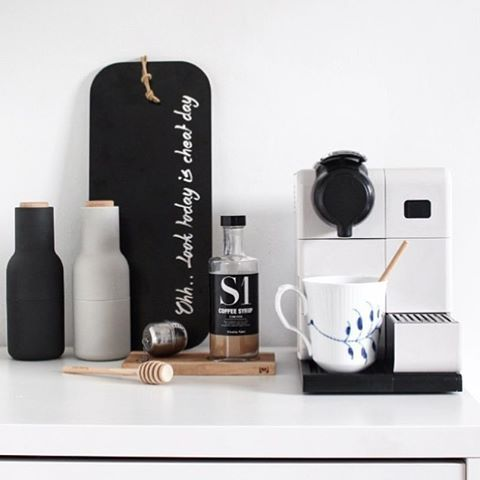 Happy Black Friday weekend! You can still get those beautiful Menu Bottle Grinders with 20% OFF online, link in our bio. . Gorgeous image by @sannes_uni with thanks #interiordesign #interiorstyling #nordichome #nordicinspiration