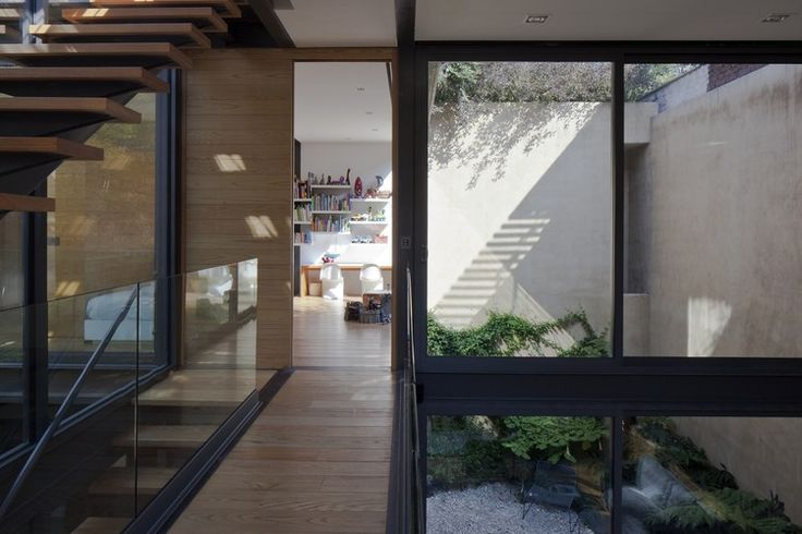 House with Four Courtyards / Andrés Stebelski Arquitecto | ArchDaily