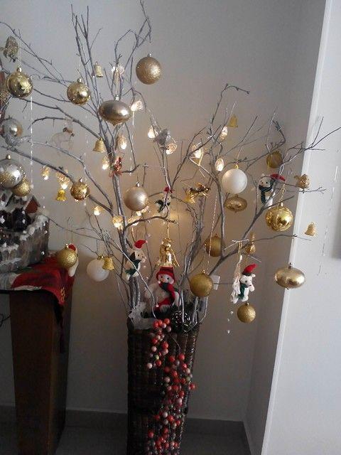 Navidad con chamisos navidad pinterest - Decoracion con ramas de arboles ...