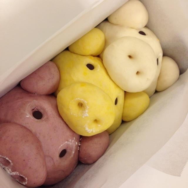 中には三種類のカスタード入ってます(o^^o) - 100件のもぐもぐ - 三匹の子豚クリームパン by c1000