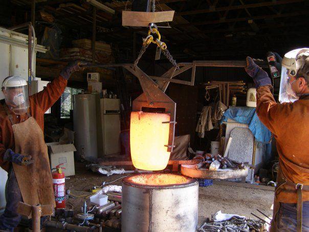 Jody Pawley and Dave Hannan- bronze pour Sydney Sculpture School