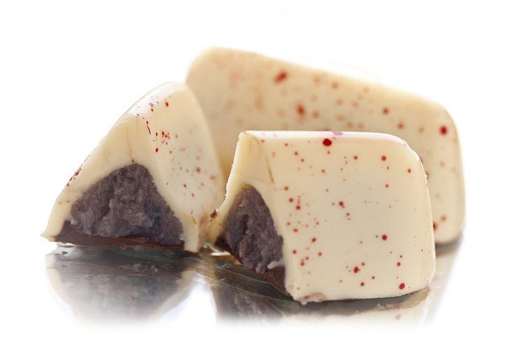 berry dream   #pralines #chocolate #choco #sweets #berry