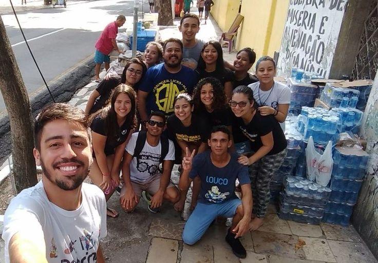 Jovens arrecadaram mais de 100 pacotes em cerca de um mês de campanha