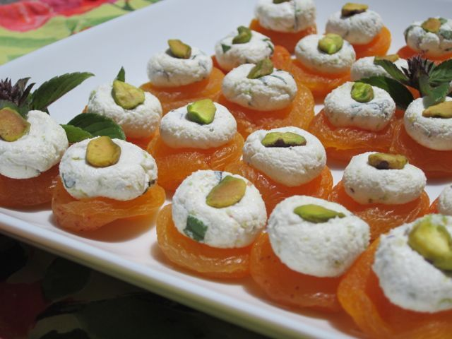 is goat cheese paleo