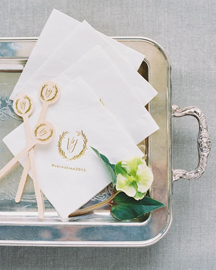 We used Verna and Tinos organic wreath monogram in subtle ways throughout the event. Both the cocktail napkins and drink stirrers were done in gold foil to make the look elegant yet organic. Working with @writtenwordcalligraphy to create these sweet details is always a pleasure! Photo: @imryanray l Monogram Drink Stirrers & Napkins: @writtenwordcalligraphy #weddingdetails #monogram #cocktails by joyproctor