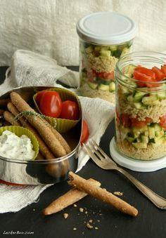 MittwochsBox #3: Couscous-Schichtsalat mit Zucchini & Tomaten, dazu Dinkel-Vollkorn Grissini!