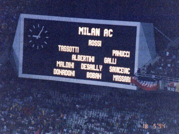 Starting lineup for the 1994 Champions league final against Barcelona http://theredandblacks.com/