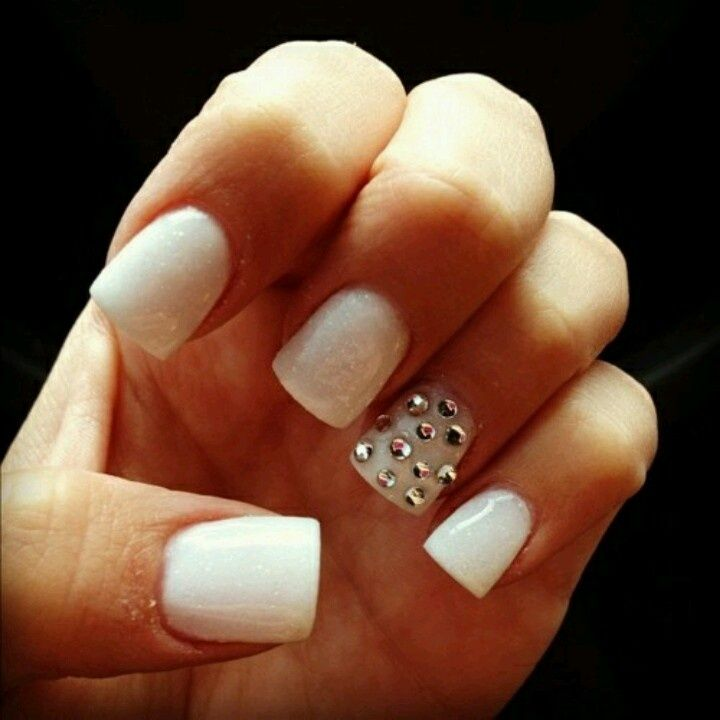 I love this! I think I'd have mine done in a stiletto or an almond shape, though. Nice, clean looking manicure.