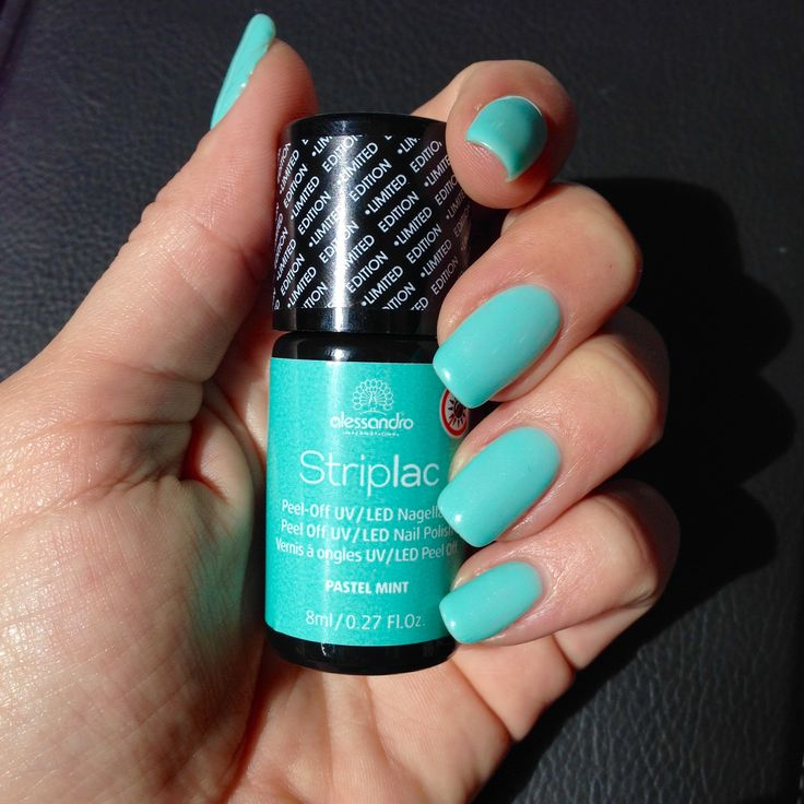 """Striplac """"Pastel Mint"""" by Alessandro. http://www.boutiquenailart.com/fr/edition-limitee/1232-pastel-mint-striplac-vernis-a-ongles-uvled-4025087785530.html"""