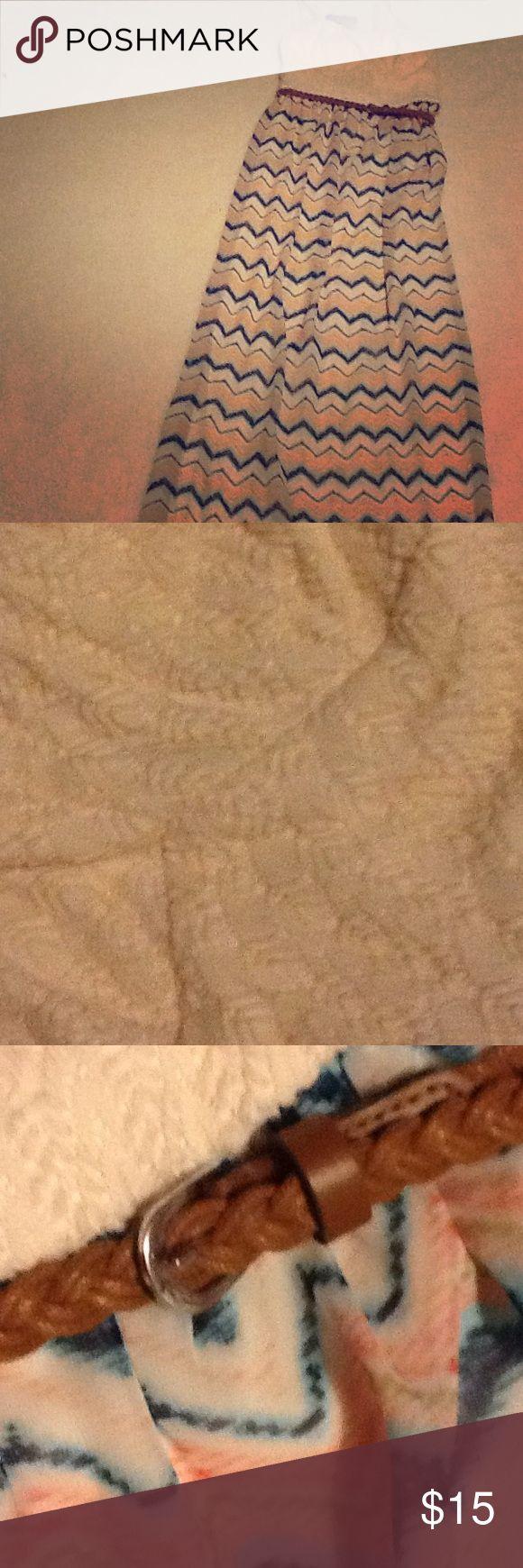 lily rose maxi dress lily rose maxi dress with a braided belt it has an