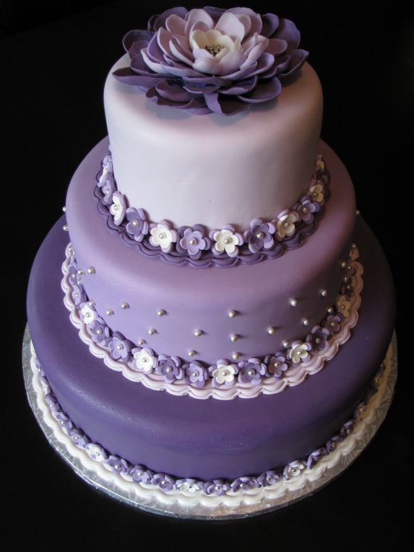 Wedding cake by isacrowe